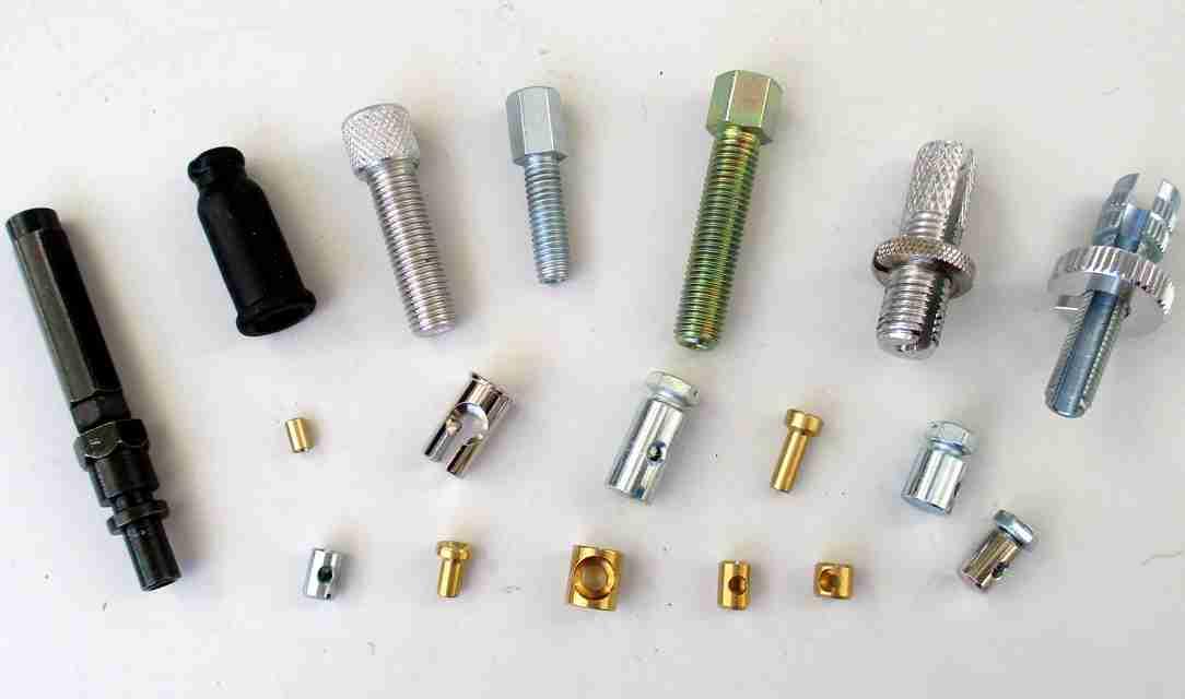 Nipple / adjusting screws