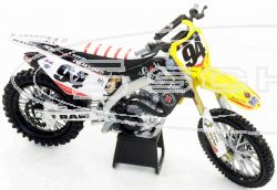 SCHREMS TOY BIKE SUZUKI KEN ROCZEN No94 1:12 IN GIFT PACKAGING